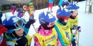 children-from-reiteralm-wearing-blue-fox-helmet-covers